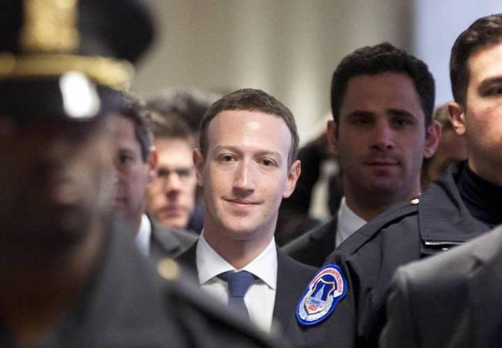 """Presidente Facebook: """"Fue mi error y lo siento"""""""