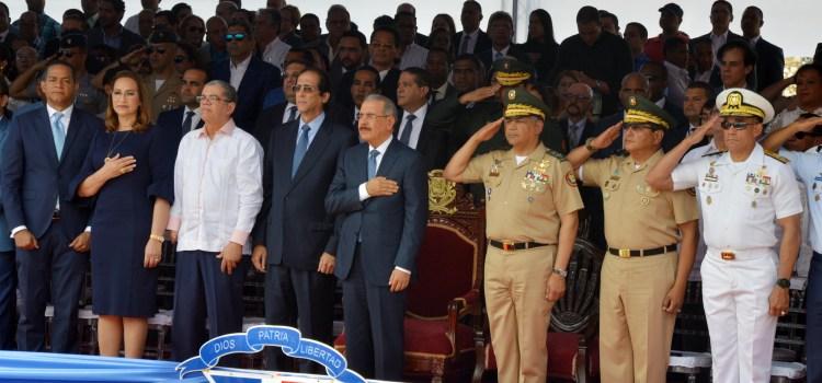 Medina encabeza desfile cívico-militar