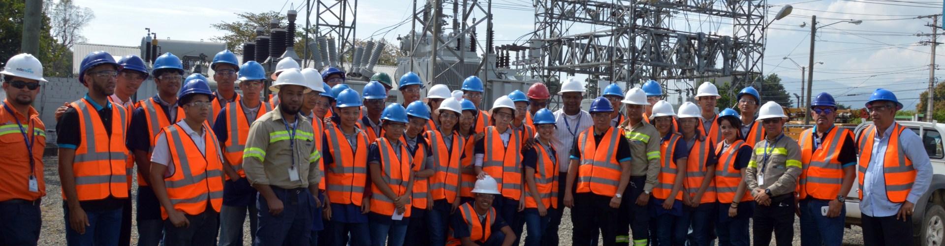 estudiantes visitan instalaciones Edenorte