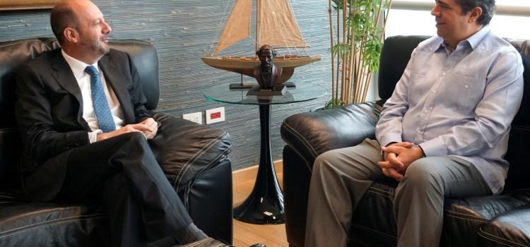 Ministro Turismo se reúne con embajador Francia