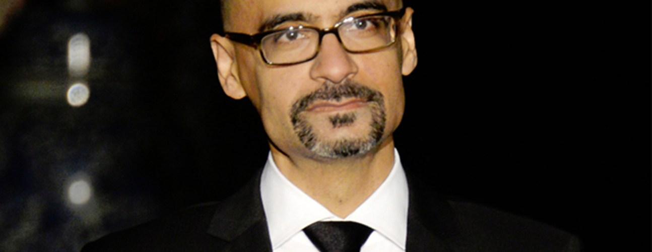 Podrían retirar premio a escritor dominicano