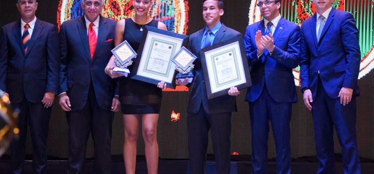 Madelyn y Larry los mejores atletas