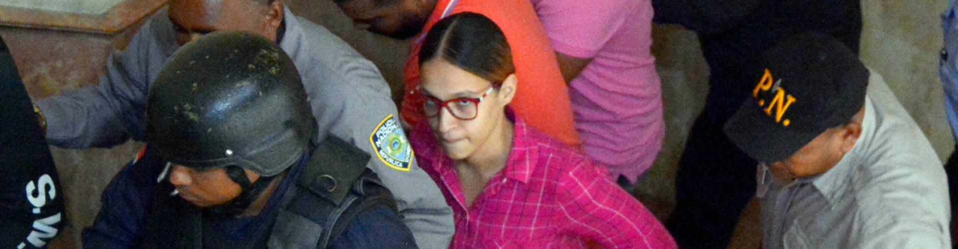 Prisión preventiva mujer agredió periodista