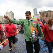 Maduro sacará diplomáticos; EEUU amenaza