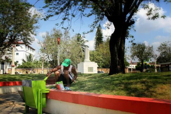 Alcaldía mocana limpia lugares públicos