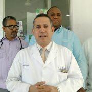 Médicos alegan incumplimiento y paran labores