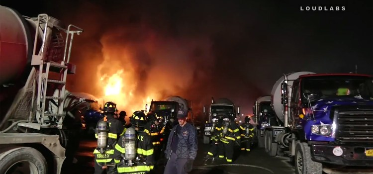 Incendian área empresa con bomba molotov