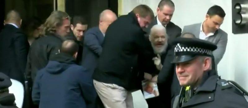 Policía Reino Unido arresta a Julian Assange