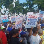 Obreros marchan en reclamo reivindicaciones
