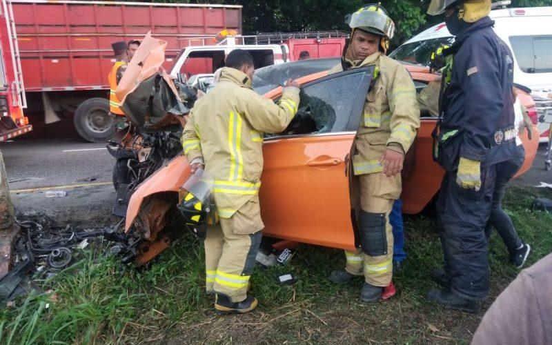 Dos muertos y dos heridos accidente tránsito