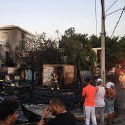 Incendio afecta varios negocios y viviendas