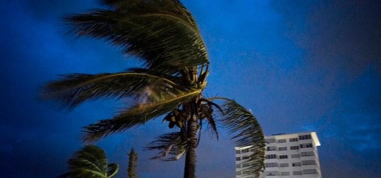 Huracán afecta miles de viviendas en Bahamas