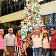 Coraasan enciende tradicional árbol de Navidad