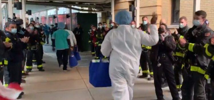 Aplauden médicos y enfermeras por trabajo