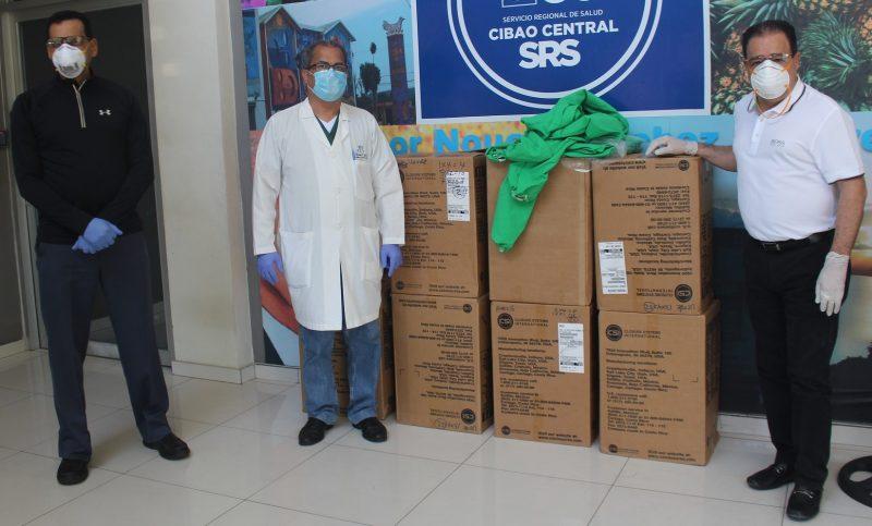 Edenorte dona vestimentas servidores hospital