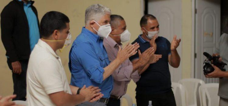 Eduardo Estrella garantiza obras beneficien a La Sierra