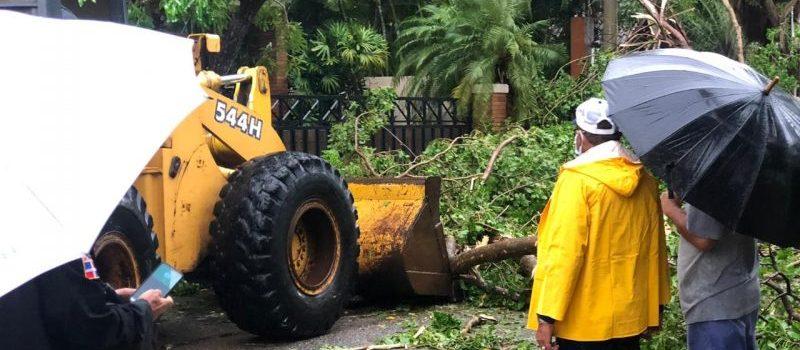 Continúa alerta roja para DN y 14 provincias por tormenta