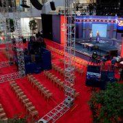 Escenario preparado para el debate entre Trump y Biden