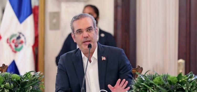 Abinader garantiza someterá impuestos a consenso