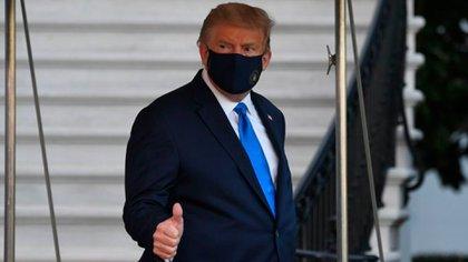 Trump recula y ahora quiere firmar paquete de estímulo