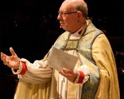 Perdona dominicano se suicidó frente iglesia