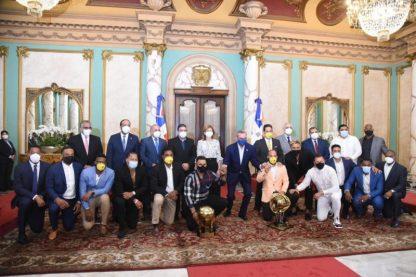 Campeones caribeños en Palacio Nacional
