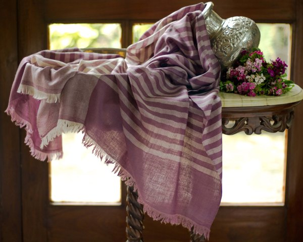 handwoven pure pashmina cashmere shawl from kashmir india handwoven