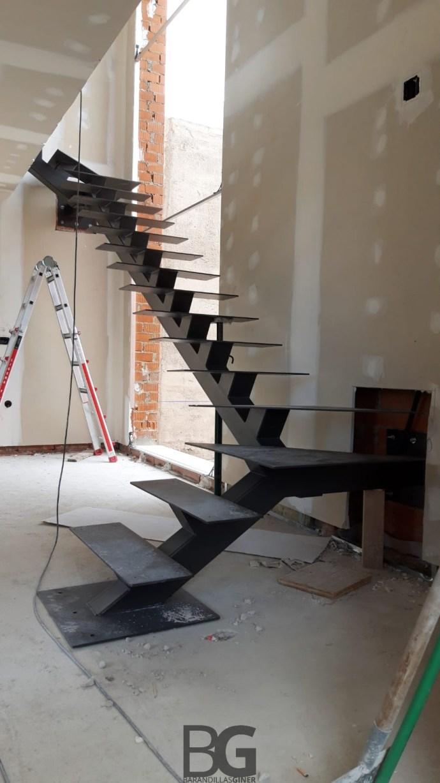escalera hierro lacada al horno