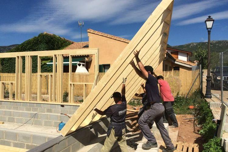 Comenzamos a levantar la Casa de madera La Rioja – Biopasiva
