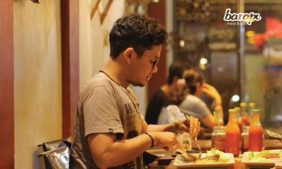 Tetap Bahagia di Restoran Steak