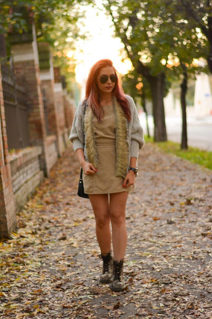 autumn look fashion fur cardigan