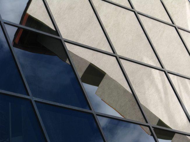 Portico-Glass_Wall