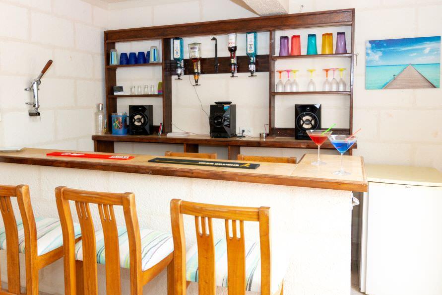 Palm Villa Barbados bar area