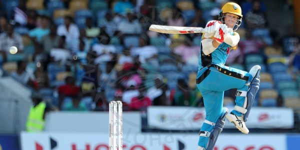 David Warner gathers more runs for the Stars against the hapless Tridents.