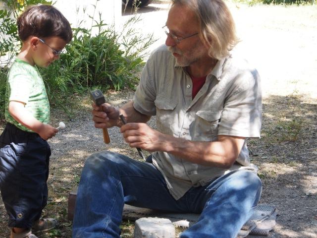 Der Bildhauer und ein junger Gast