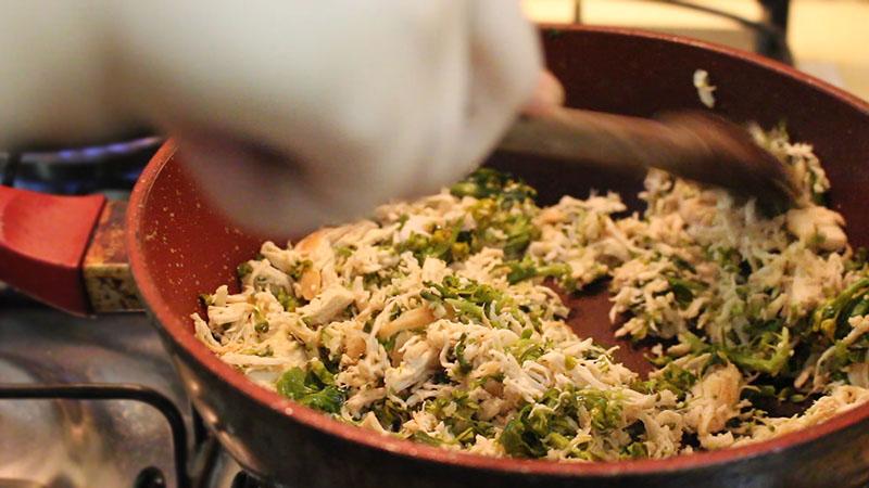 Escondidinho de Batata Doce com Frango e Brócolis