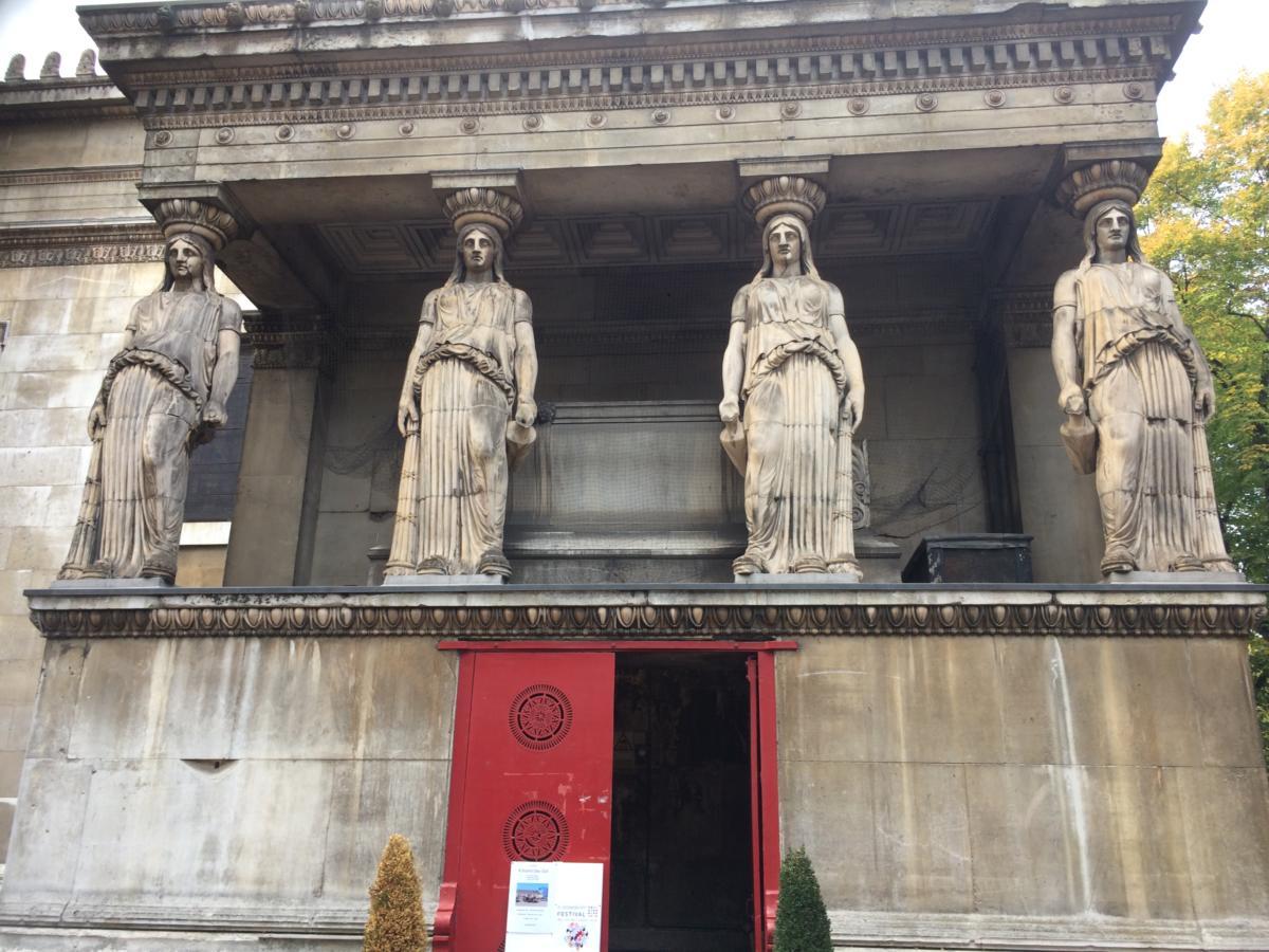"""Mostra d'Arte alla """"The Crypt Gallery"""" di Londra"""