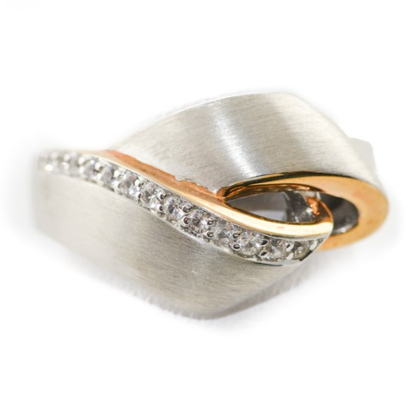 gold and dimaond ring