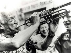 Pablo Picasso suona la tromba