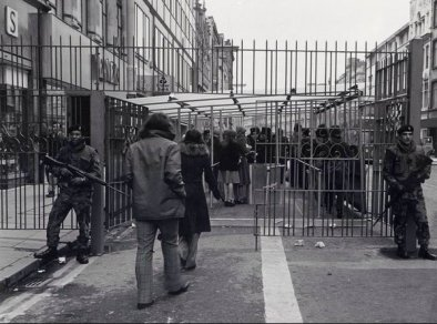 Shopping a Belfast durante il Conflitto nordirlandese (The Troubles), 1970