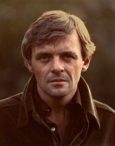 Sir Anthony Hopkins negli anni 70. Fotografia di Jim McHugh