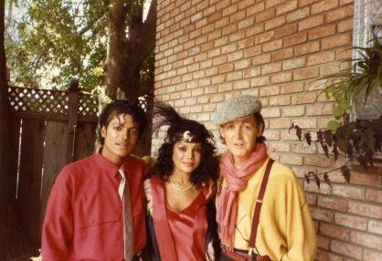 Michael Jackson, La Toya Jackson, e Paul McCartney sul set del video per Say, Say, Say