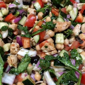 Healthy Mediterranean chicken and vegetable salad_2