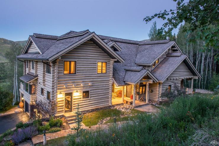 1145 Pilgrim Drive, Lake Creek / SOLD $4,900,000 / 11.29.17 (Photo: LIV SIR)
