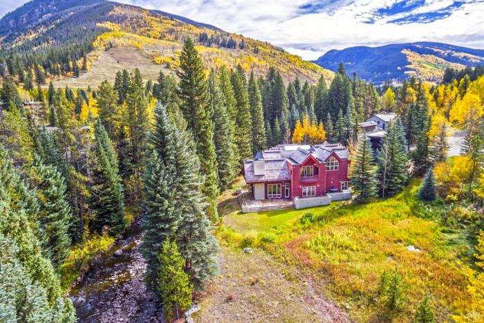 4249 Nugget Lane, Vail / SOLD $3,750,000 / 3.2.17 (Photo: LIV SIR)