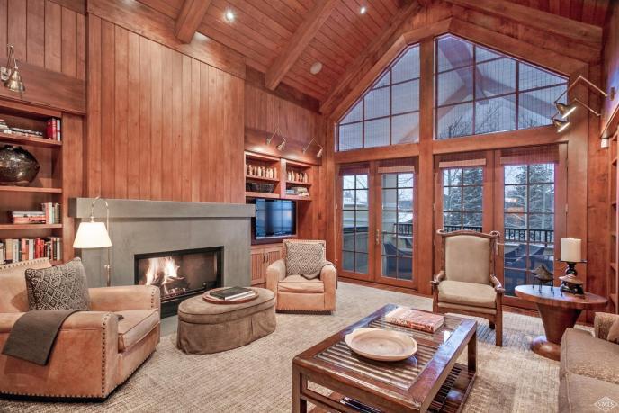 Golden Peak Penthouse R1, Vail Village / SOLD $12,600,000 / 6.19.17 (Photo: LIV SIR)