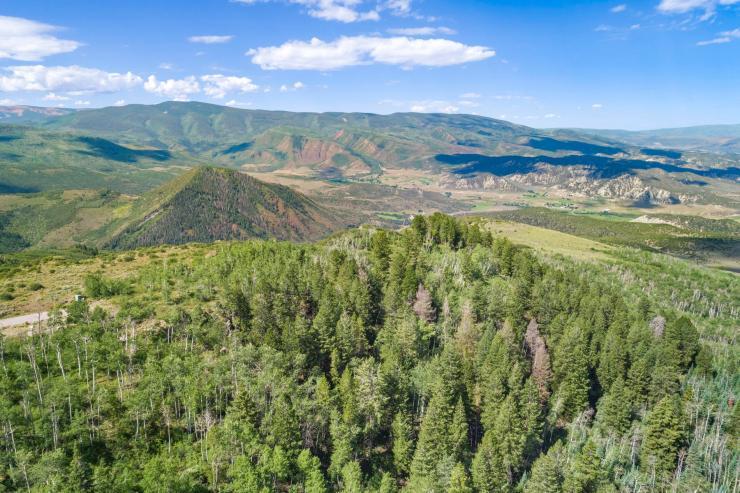 818 Webb Peak, Cordillera Summit / SOLD $ 363,750 on 10.9.2020 / Seller Represented (Photo: LIV SIR)