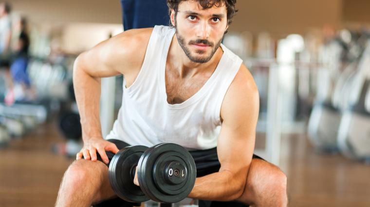 new bodybuilder doing bicep curl