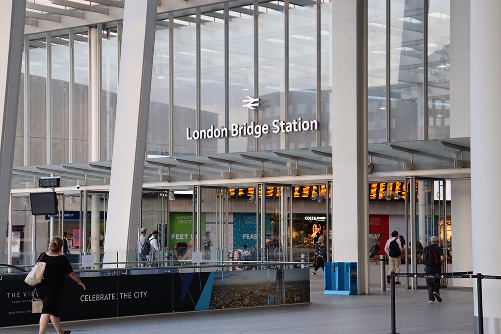 London Bridge Station by Dele Oke on Unsplash
