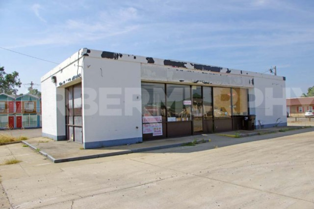 Exterior Image of Gas/Convenience Store